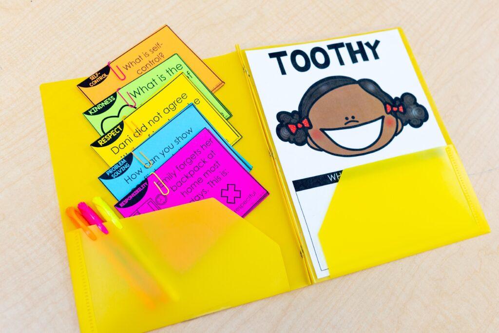 sel toothy scenario cards